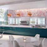Banco bar lineare rivestito in legno moldello Hi bar