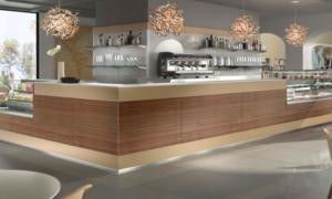 Bancone bar con rivestimento in Polyrey modello SkyLine