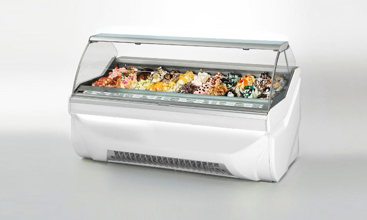 Vetrina gelateria Amika In