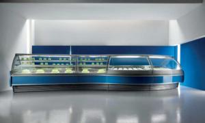 Prima, vetrina pasticceria con vetro anteriore apribile