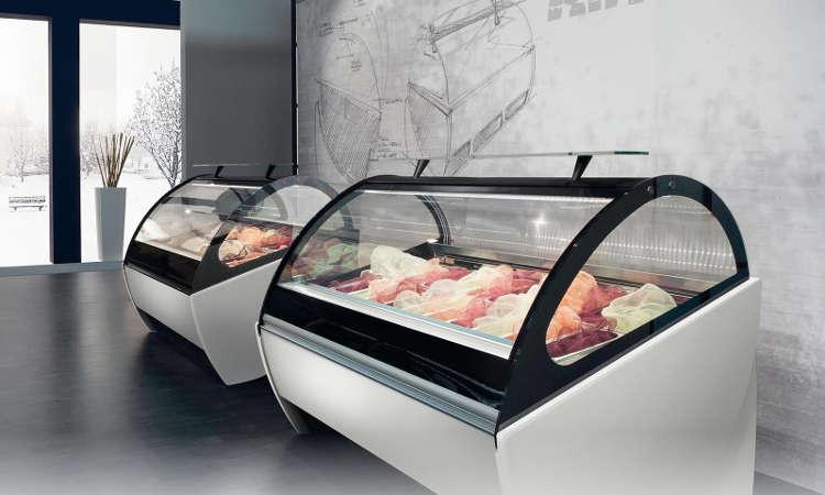 Artika, vetrina gelateria con refrigerazione a doppia ventilazione